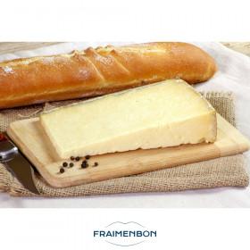 Cantal entre-deux fermier au lait cru